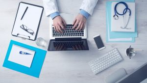 Les médecins sont-ils pour ou contre et prêts pour la téléconsultation ?