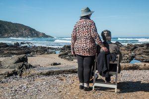 Comment accompagner les seniors en cette période de fin d'année ?