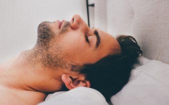 Le sommeil des jeunes (15-24 ans).