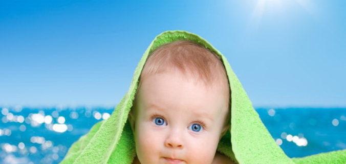 90,37% des parents n'appliquent pas au bon moment la crème solaire à leur bambin.