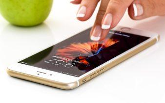 Détecter les signes annonciateurs de la démence à l'aide d'un téléphone portable.