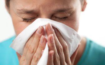 8 trucs faciles pour combattre un rhume.