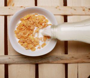 Voici pourquoi vous devriez éliminer les céréales de votre petit-déjeuner
