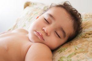 7 façons dont le sommeil affecte notre poids.