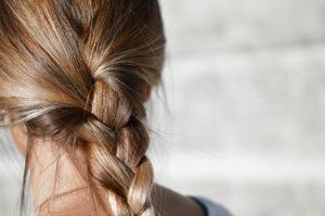 Les cheveux et leurs cycles de croissance.