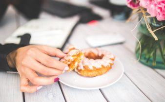 Grignotage : Nutriting vous délivre 7 astuces pour y résister.