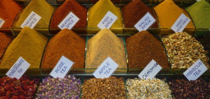 Les épices pour pimenter votre régime alimentaire.