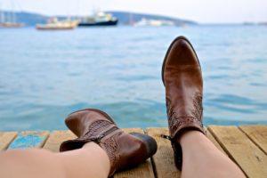 L'importance de porter des chaussures confortables pour les personnes âgées