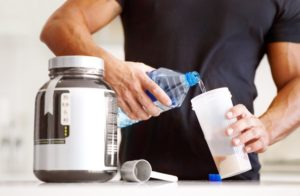 Shakes protéinés : ils ne réparent pas vos muscles après un entraînement.