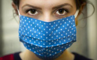 Comment utiliser correctement un masque facial