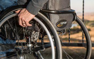 louer un fauteuil roulant avec Altivie