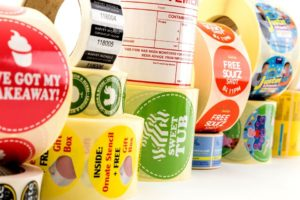 Comment faire des étiquettes simples et imprimées à petit prix?