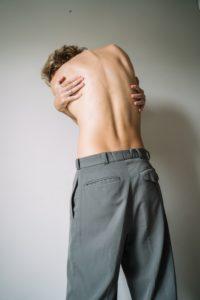 Mal de dos et hernie discale : Les 8 péchés capitaux