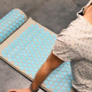 Insomnie : le tapis d'acupression pour retrouver le sommeil ?