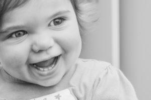 Poussée dentaire : que faire pour soulager le bébé ?