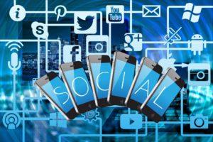 Les réseaux sociaux sont un canal populaire pour attirer les clients