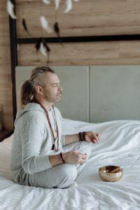 Comment mieux dormir avec la méditation?
