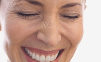 Soin acide hyaluronique : diminuer les rides d'expression.